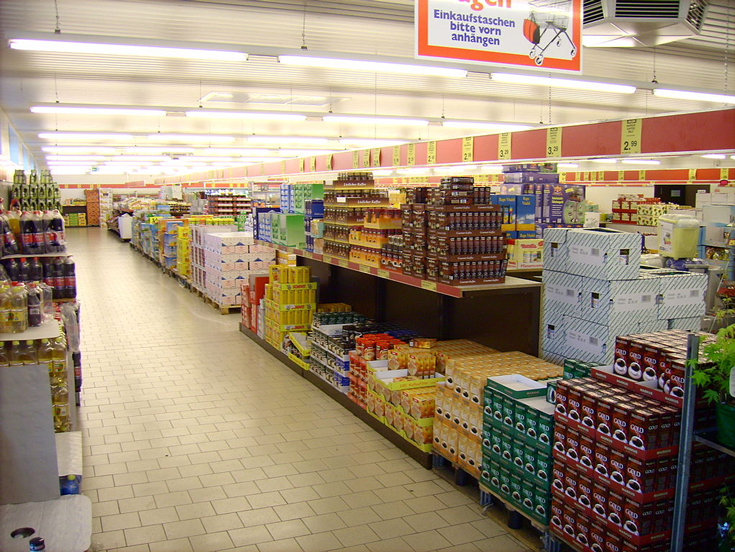 First aisle of an Aldi North in Dortmund, Germany | Photo by Kira Nerys