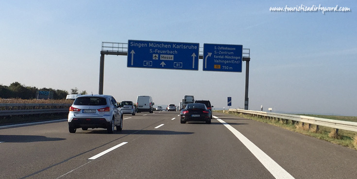 Motorcade of 6 porsche cars on the German autobahn.