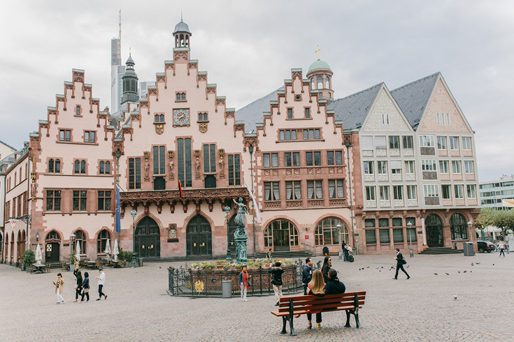 Roemer of Frankfurt am Main, Germany
