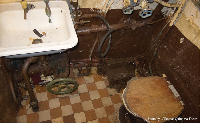 Photo of U434 Bathroom, 1 of 2, by Flickr user Thomas Quine • Experience visiting the U-434 Submarine in Hamburg Germany